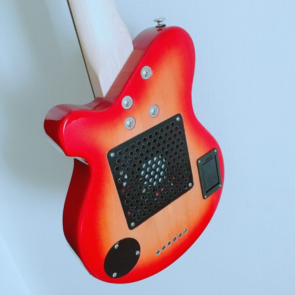 Pignose(ピグノーズ)アンプ内蔵エレキギターPGG-200のボディ裏
