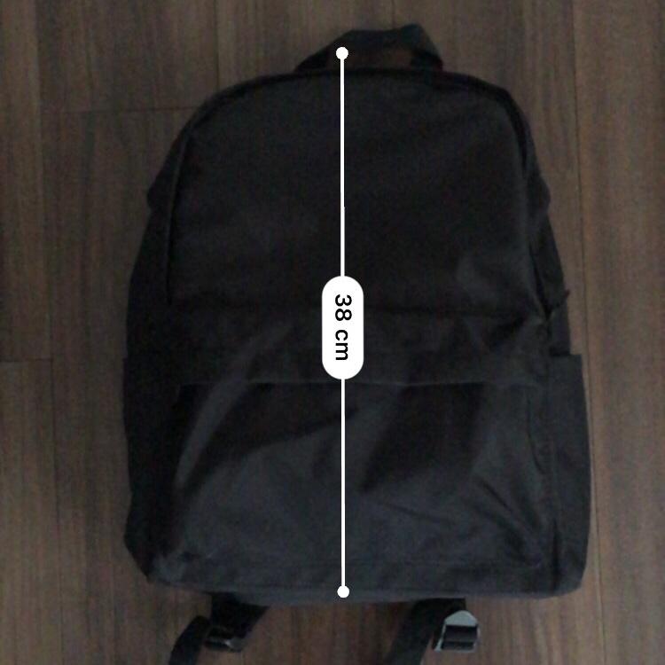 Amazonベーシック バックパック クラシックの縦サイズ