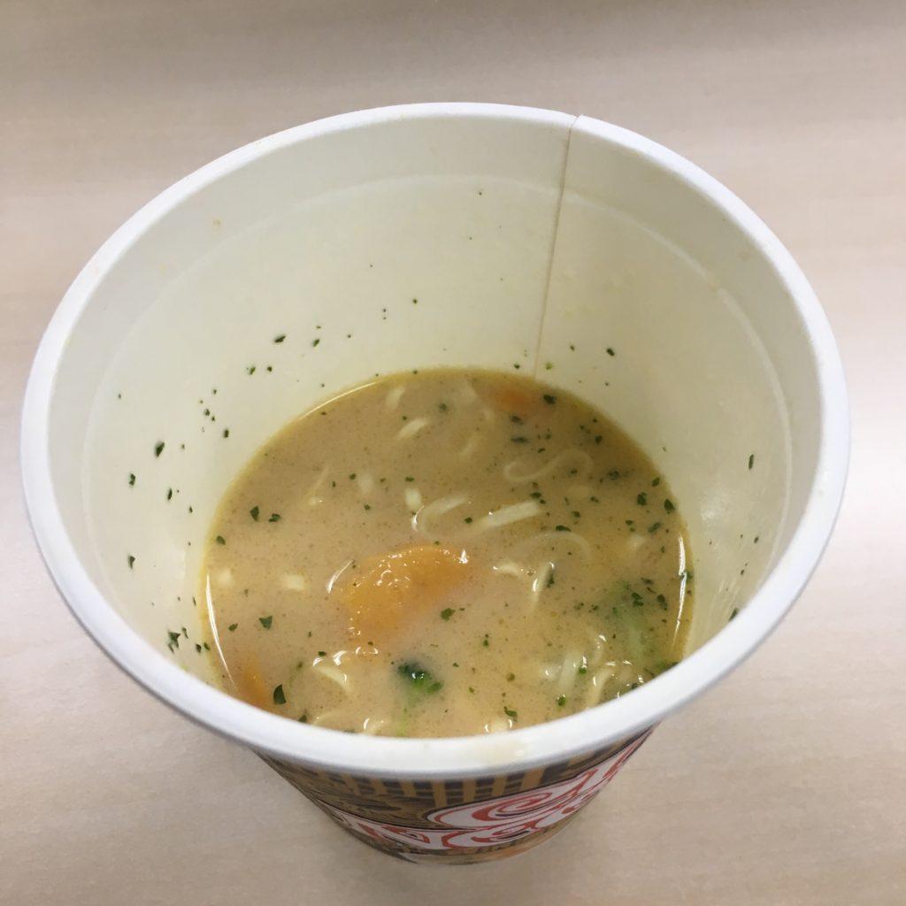 カップヌードルリッチ贅沢濃厚うにクリーム スープ