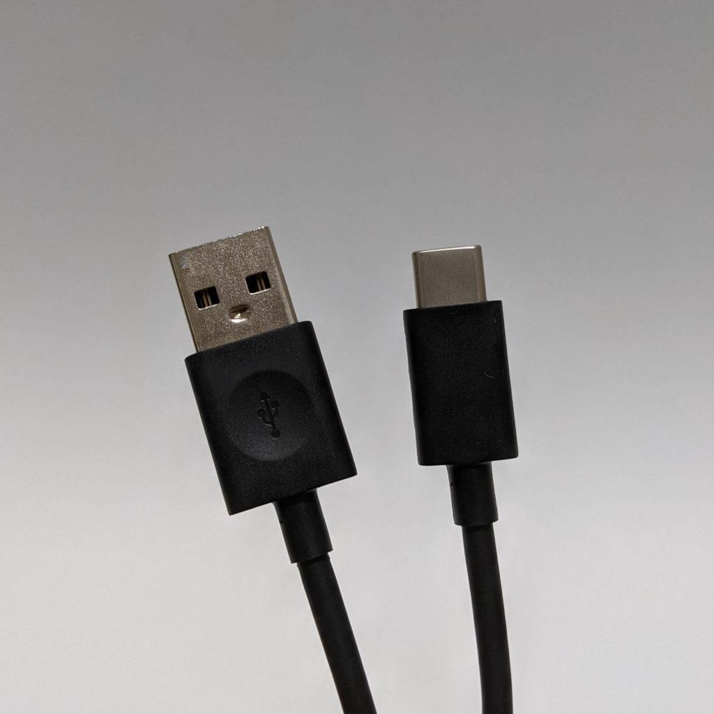 Fire HD 10の充電ケーブル
