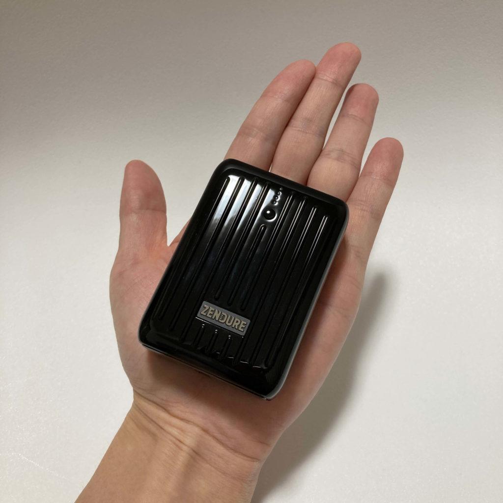 SuperMiniは手の平サイズ