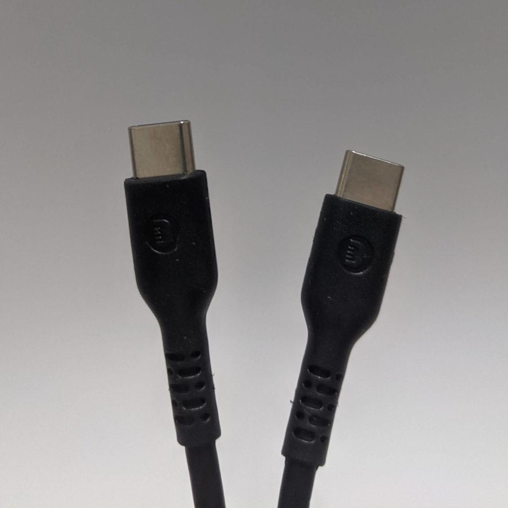 X5付属の充電ケーブル