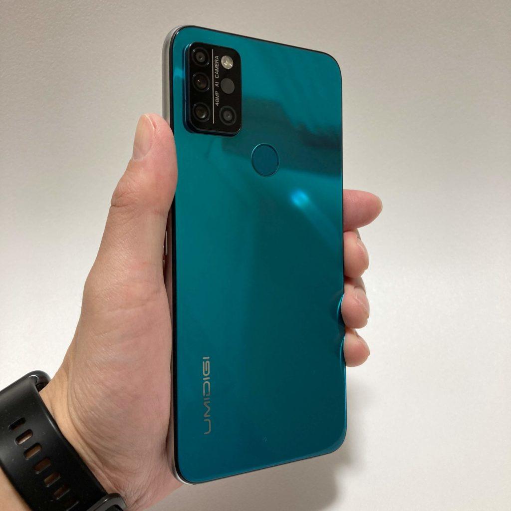 UMIDIGI A9 Proのサイズ感
