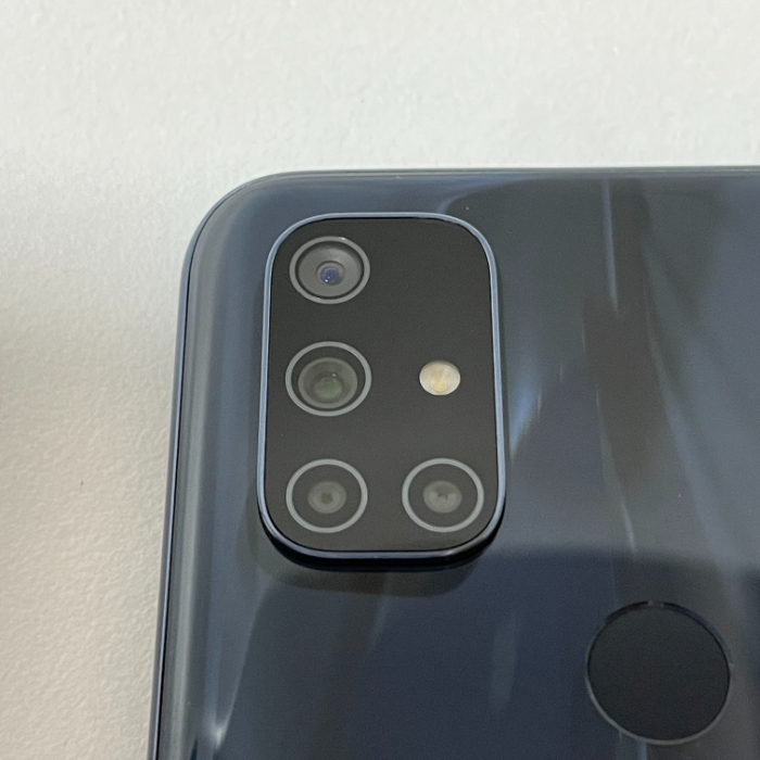 Nord N10 5Gのカメラユニット