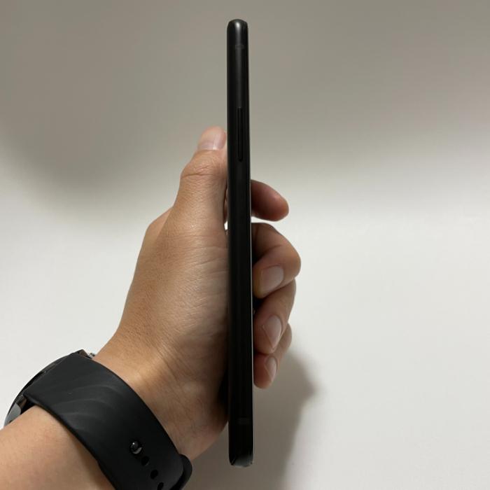 OnePlus 9Rの外観