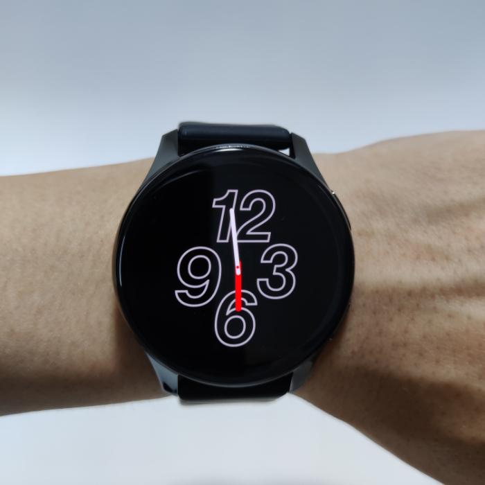 OnePlus watchのディスプレイ