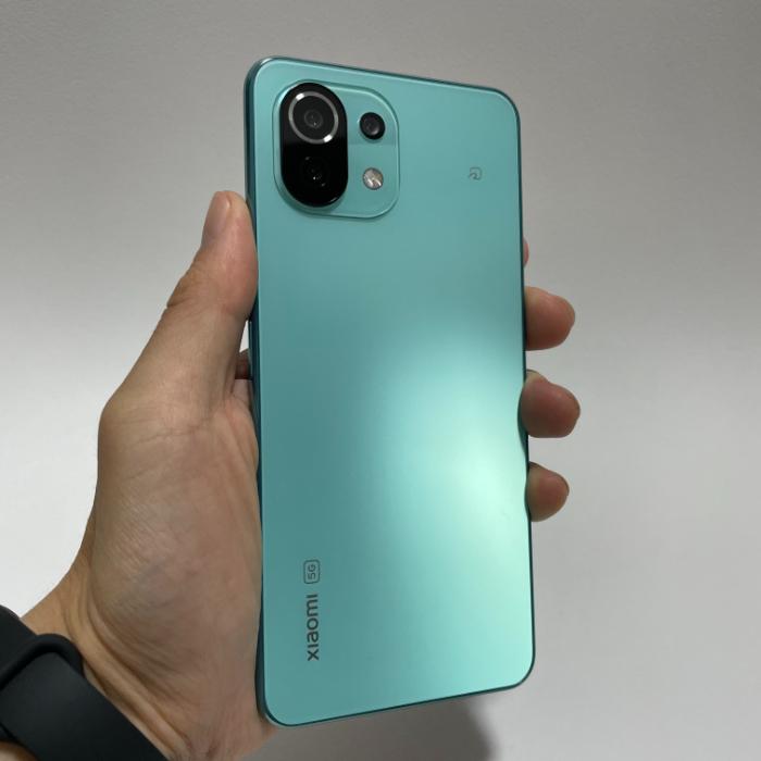 Mi 11 Lite 5Gのデザイン