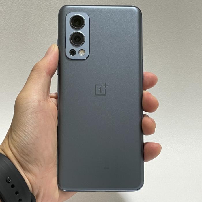 OnePlus Nord 2のデザイン