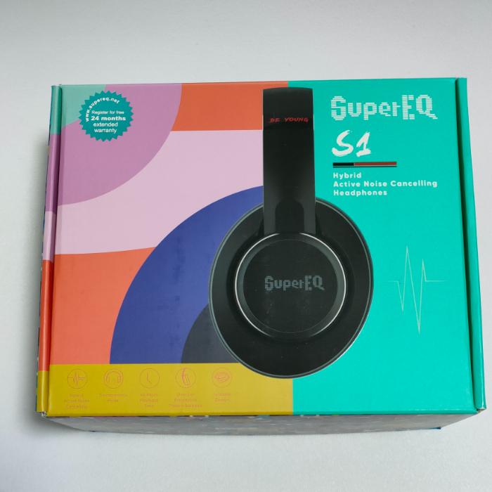 SuperEQ S1の外箱
