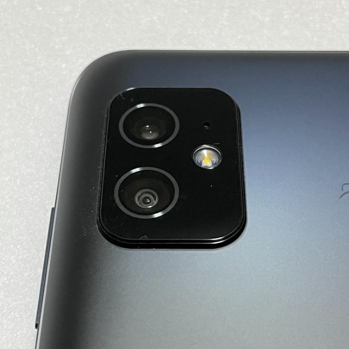 Zenfone 8のデザイン
