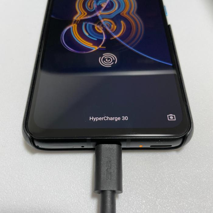Zenfone 8の30W急速充電